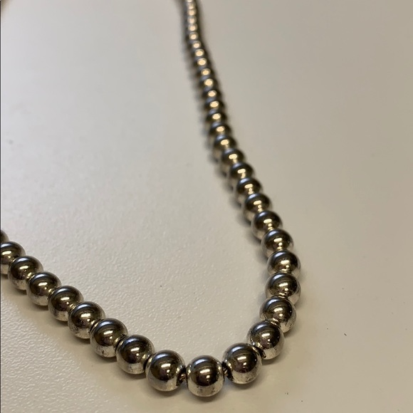 Jewelry - Gorgeous stainless steel bead necklace